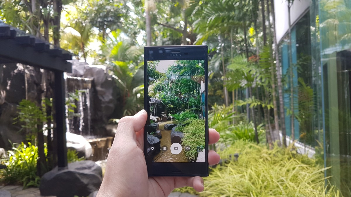 Sony launches Xperia XZ and X Compact camphones, preorders begin on