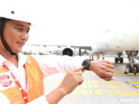 Samsung's Gear S3 smartwatch now seeing service by SATS ground crew on Changi airport tarmac