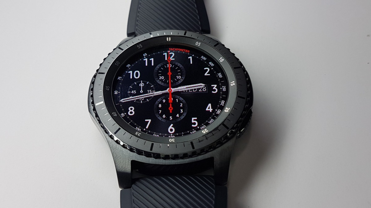 Review Samsung Gear S3 The Smartwatch Refined Hitech Frontier Double Side Strap Only Once Its Sorted And Paired Up Proves Comfortable For Long Term Wear A Bit On Heavy But Weight Isnt Too Far Off