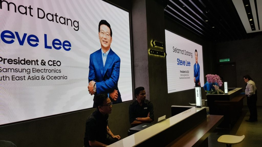 Steve Lee, President and CEO of Samsung Electronics Southeast Asia & Oceania at the inauguration of the Samsung Premium Store at Pavilion Mall, Malaysia