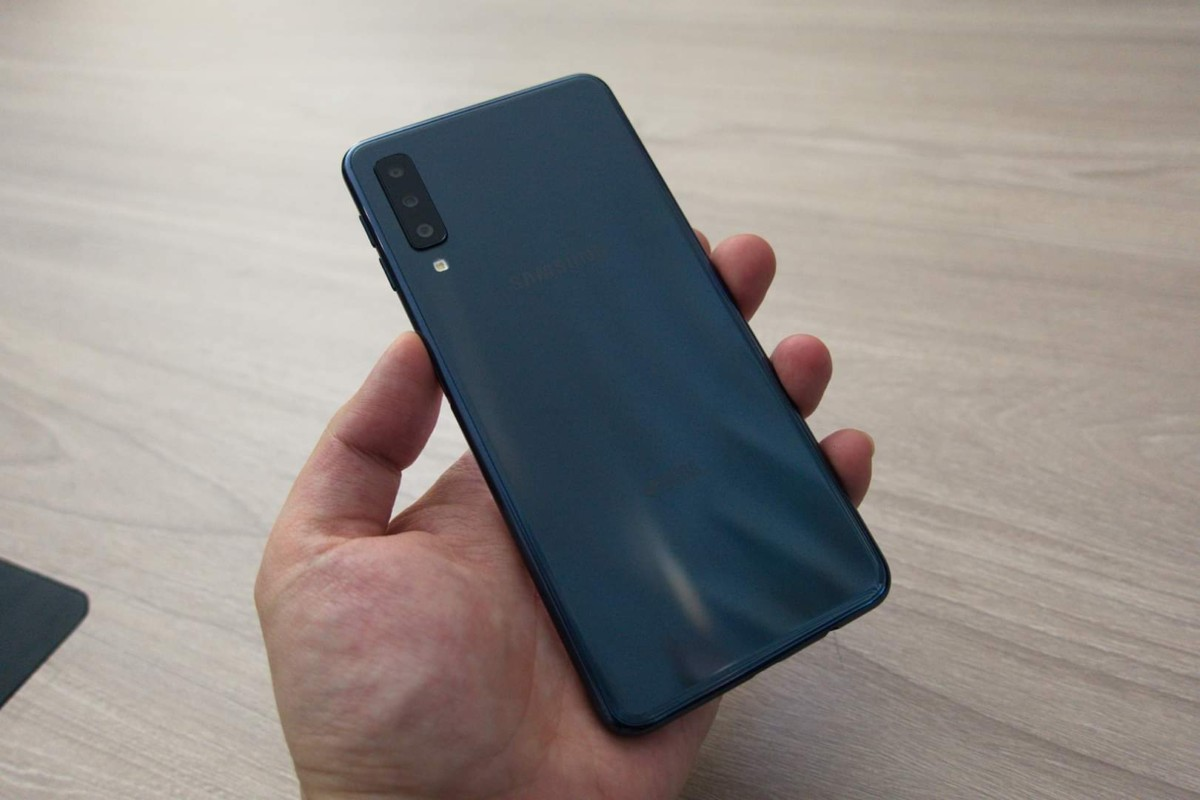 Samsung Galaxy A7 2018 Launched In Malaysia With Price Of Smartphone Wont Be Making Its Way Here For The Immediate Future But That Doesnt Rule Out A Later Appearance Mind More Details Visit