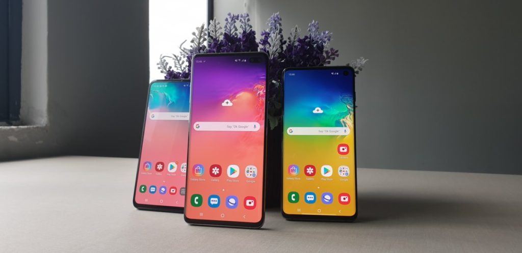 From left: The Galaxy S10e, the Galaxy S10+ and the Galaxy S10