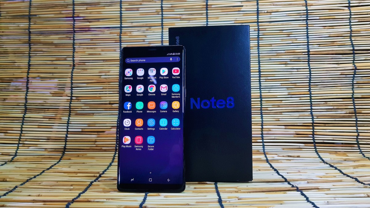 Unboxing and Hands-On with the Samsung Galaxy Note8