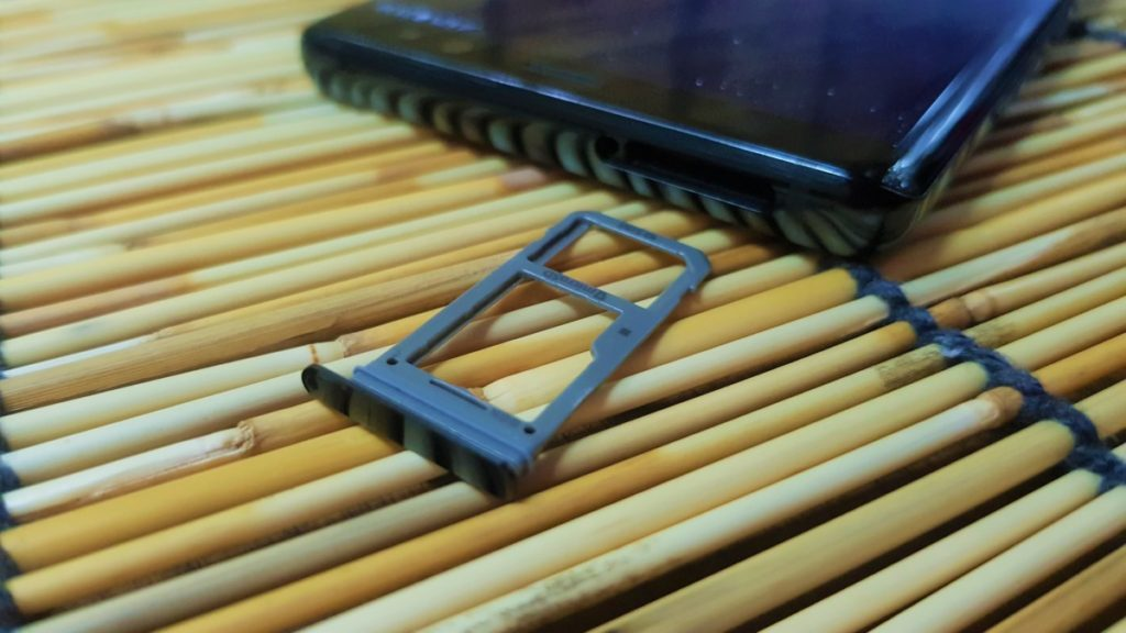 Galaxy Note8 Sim card tray