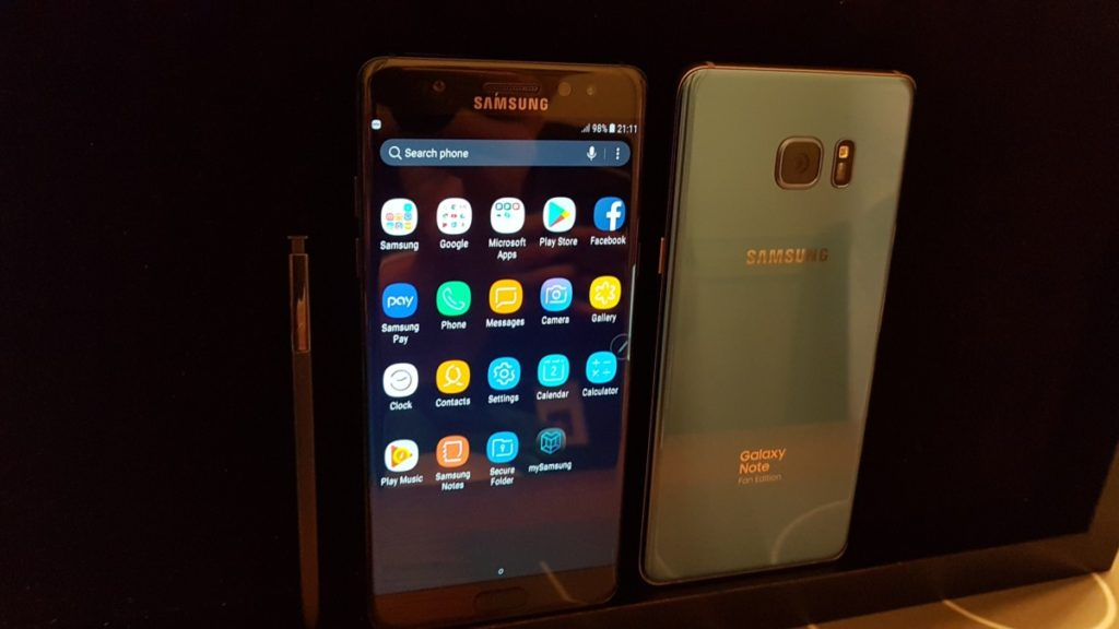 The Galaxy Note FE comes in Black Onyx or Coral Blue