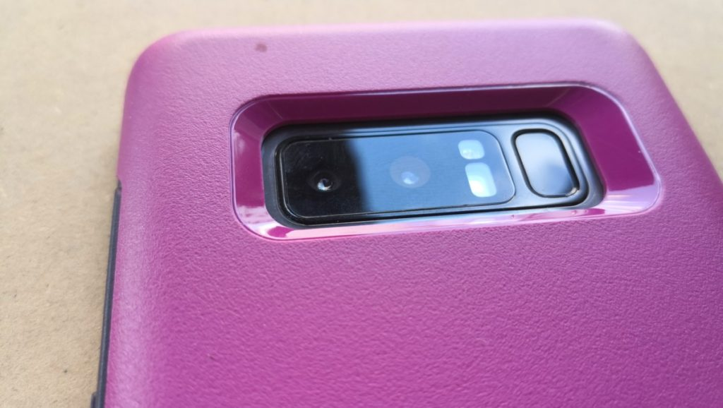 Otterbox Symmetry case for Galaxy Note8 close-up to camera cutout