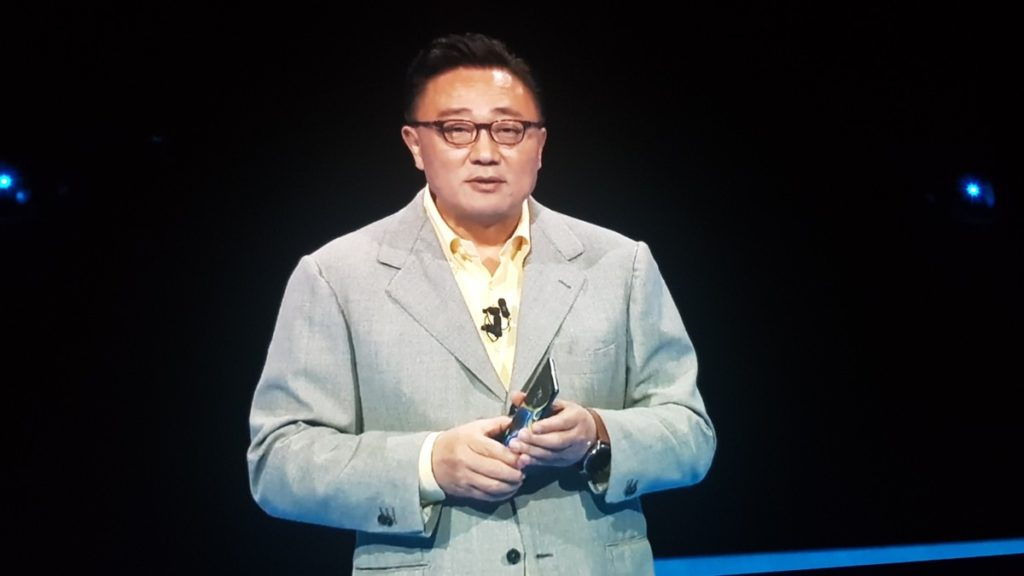 Samsung President of Mobile DJ Koh showcasing the Galaxy Note9