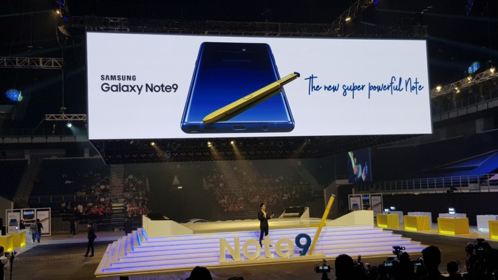 Yoonsoo Kim, President of Samsung Malaysia Electronics officially launching the Samsung Galaxy Note9 in Malaysia at the Axiata Arena