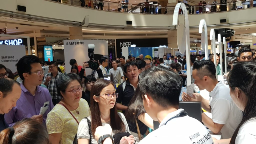 Crowds flocked to the roadshow locations last month to snap up the Galaxy Note9