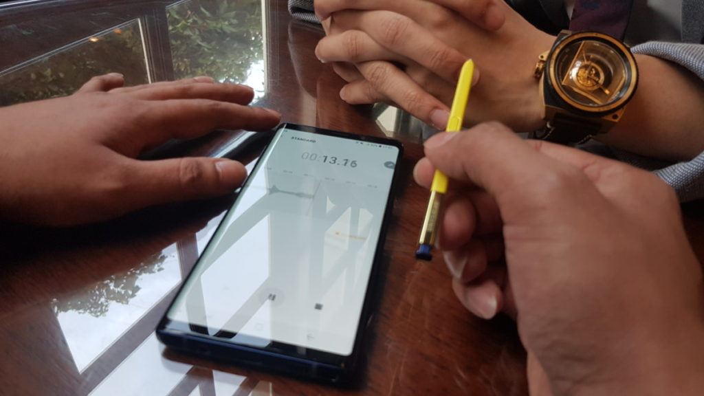 The S Pen on the Galaxy Note9 has BLE connectivity, allowing it to act as a remote control for a variety of tasks.