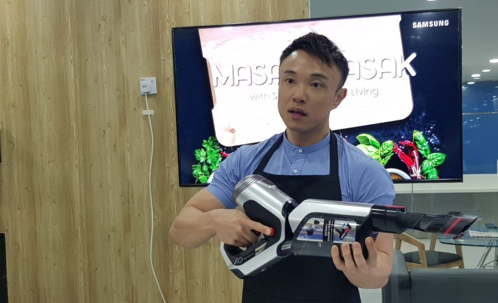 Master Chef Brian Chen sharing how the Samsung POWERstick PRO helps clean up after him in the kitchen