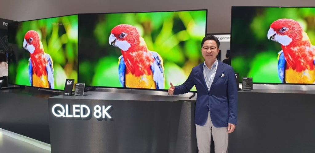Mr. Yoonsoo Kim, President of Samsung Malaysia Electronics showcasing the latest 8K QLED TVs at Samsung SEAO Forum 2019