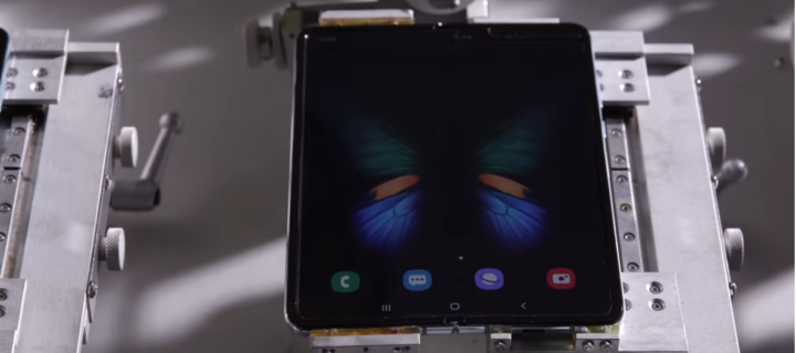 Samsung Galaxy Fold test video shows that it folds just fine without a crease