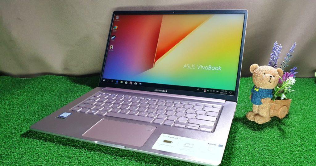 VivoBook Ultra K403 with teddy