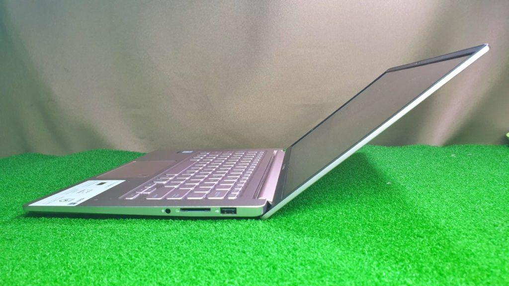 VivoBook Ultra K403 right side