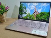 [Review] Asus VivoBook Ultra K403 – Pretty in Pink and Tough to Boot