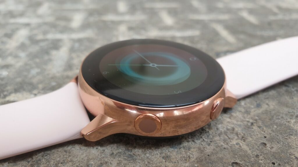 Galaxy Watch Active in Rose Gold button detail