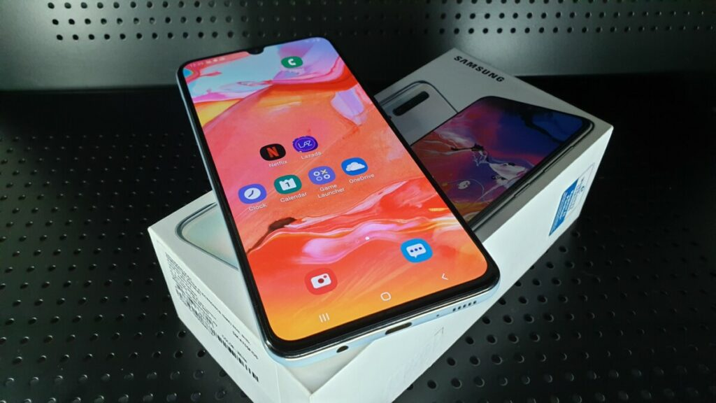 Galaxy A70 box front