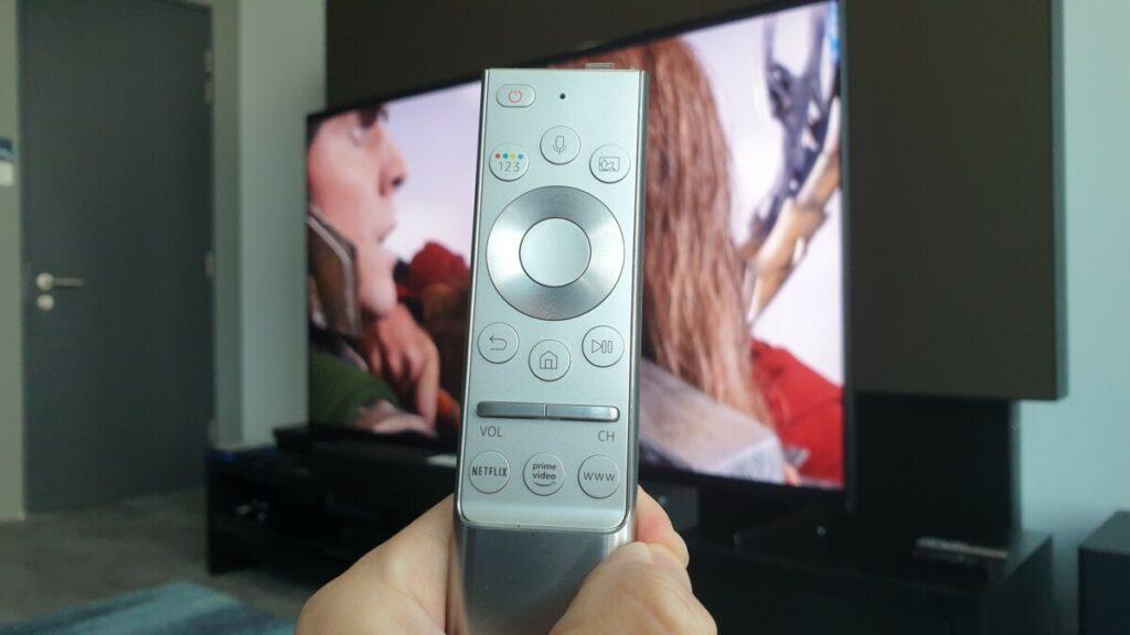 Q900 8K TV remote