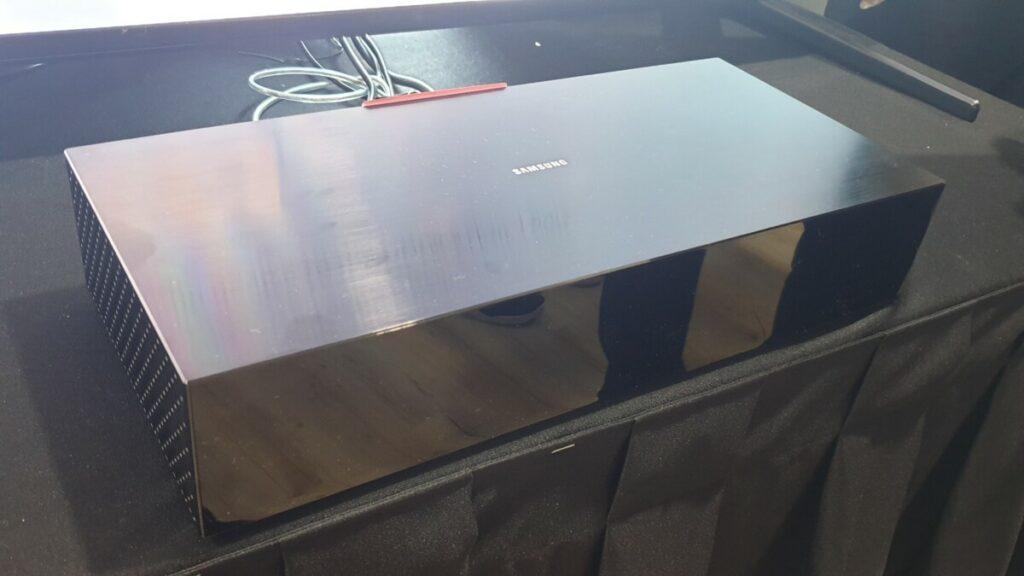 Q900 8K QLED Smart TV box front
