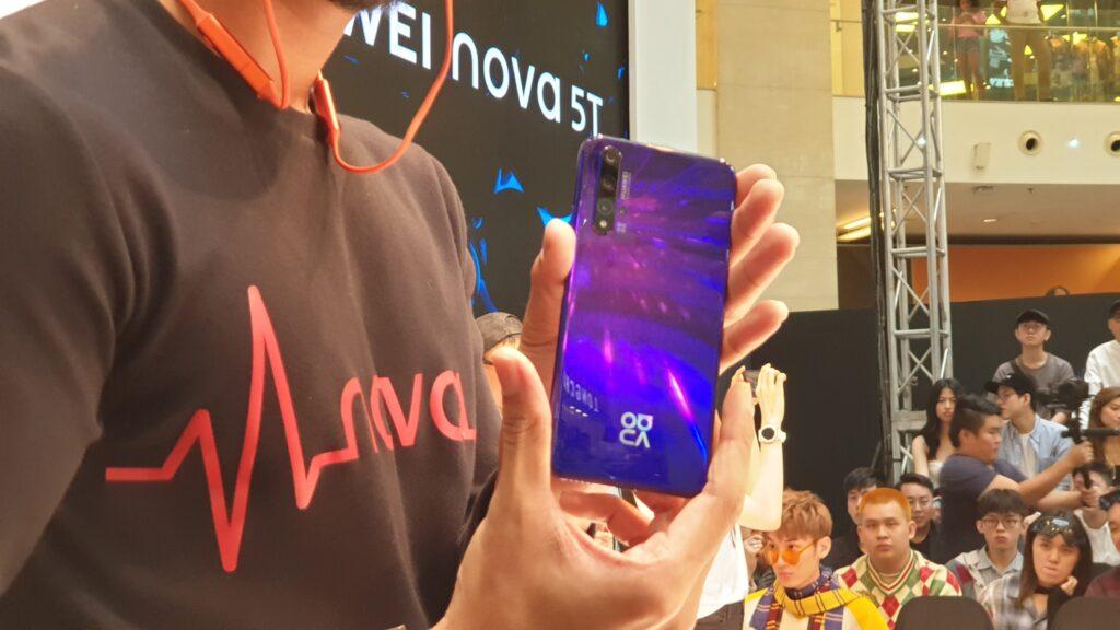 Huawei nova 5T rear