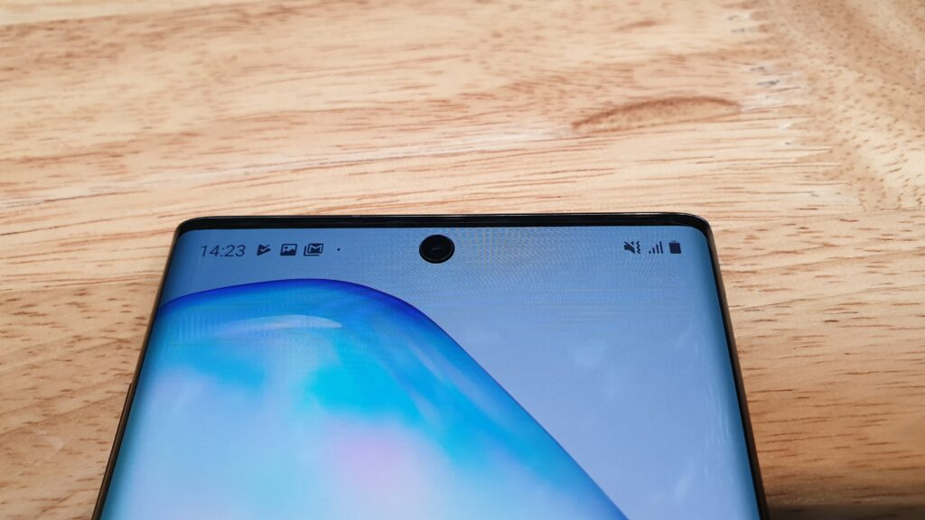 Galaxy Note10 front selfie camera