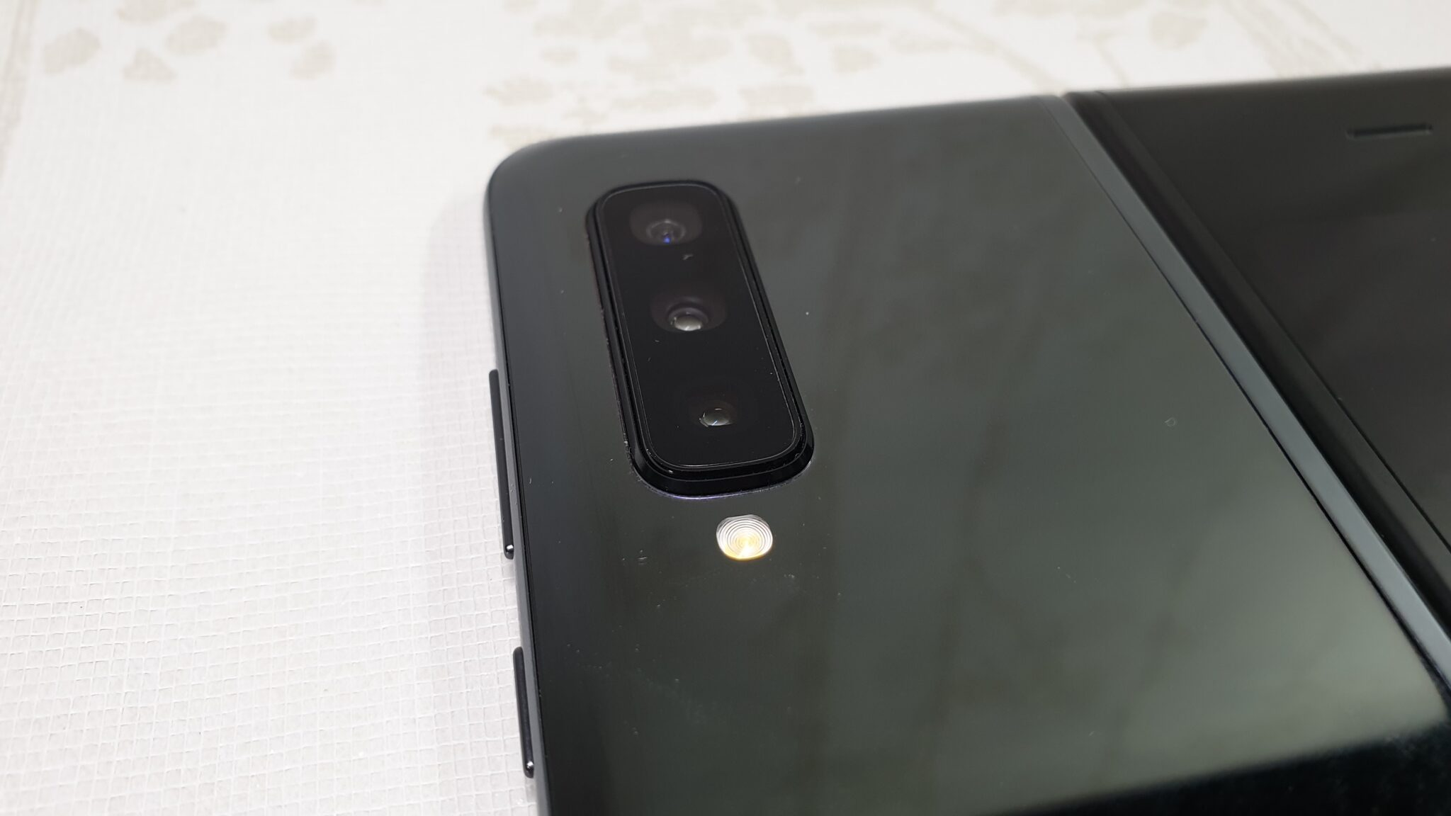 Galaxy Fold review rear cameras