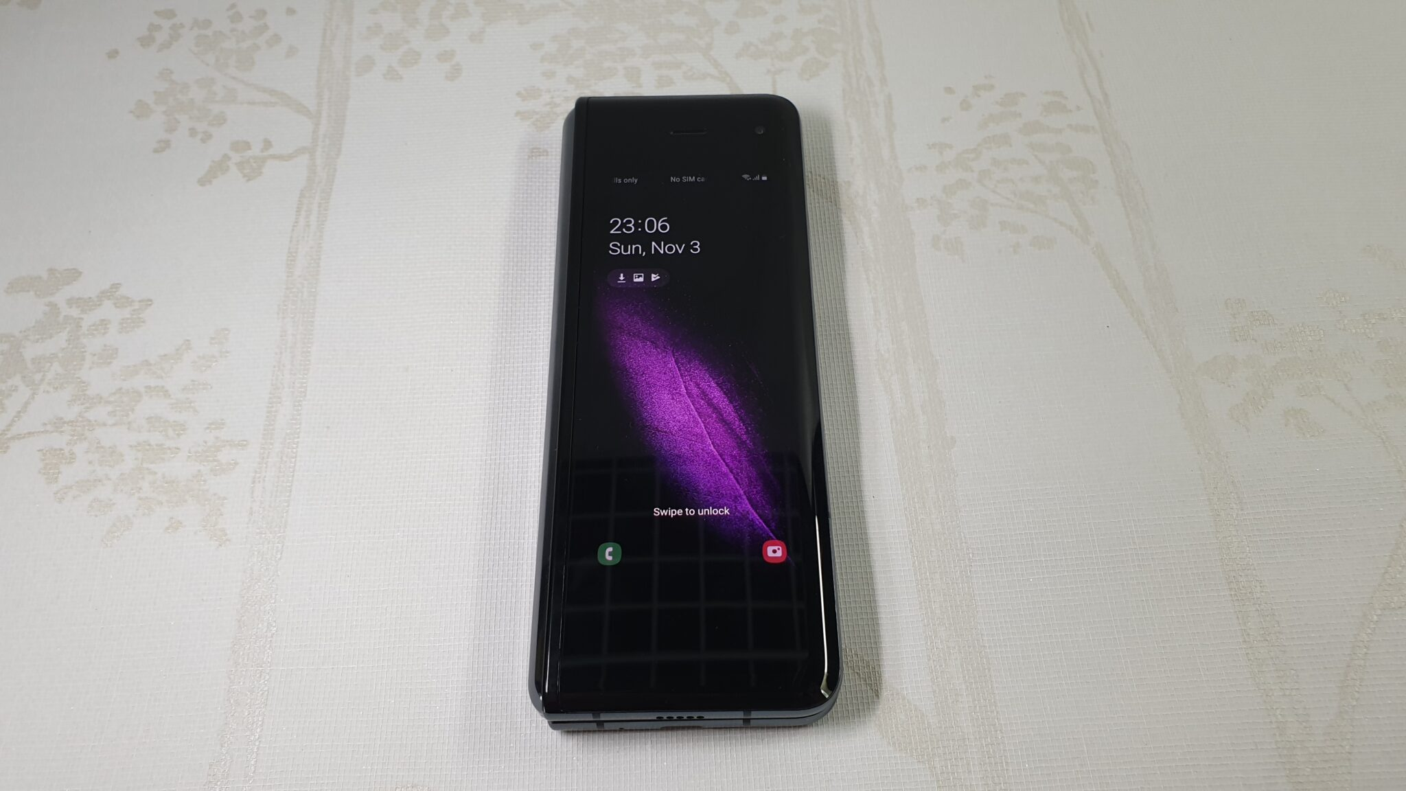 Galaxy Fold cover display