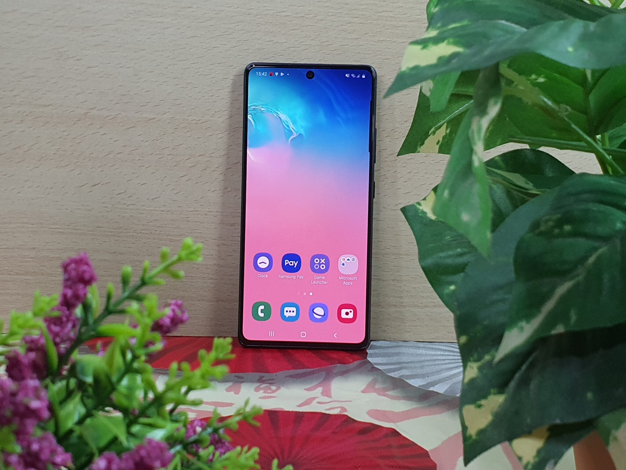 Galaxy S10 Lite front