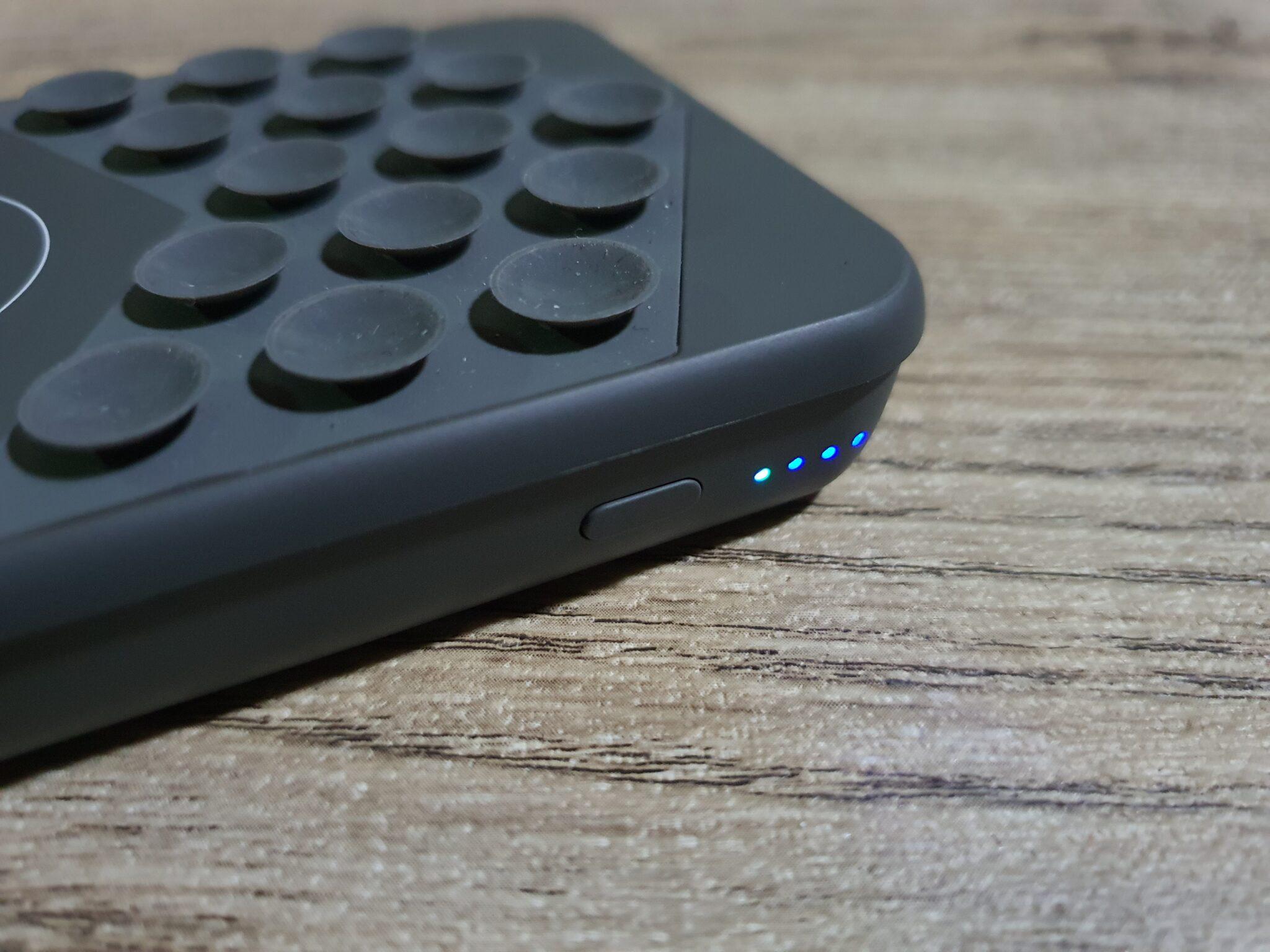 STM Wireless Powerbank