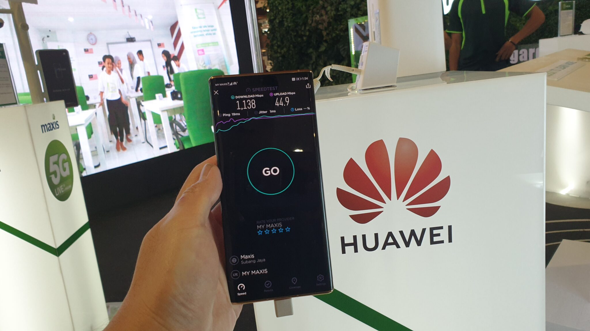 Huawei Mate30 Pro 5G speeds