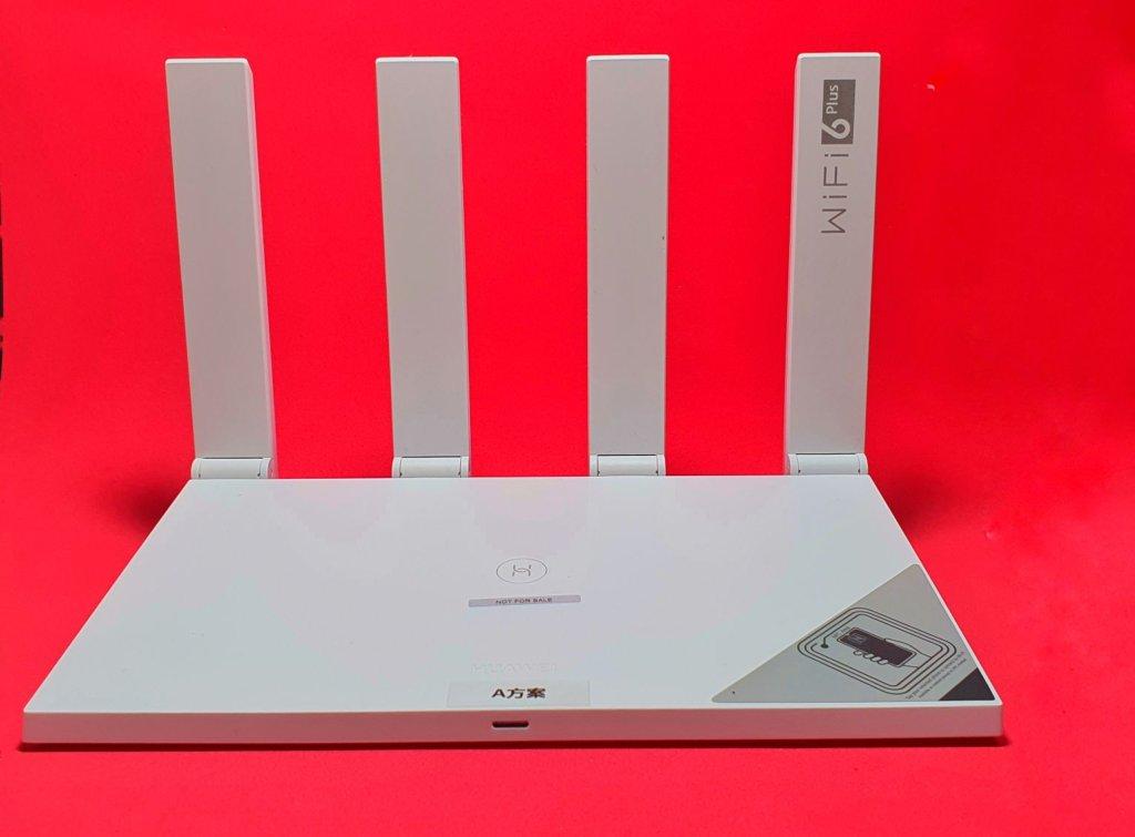 Huawei Wifi AX3 front