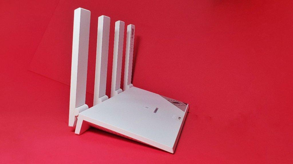 Huawei WiFi AX3 Router  side