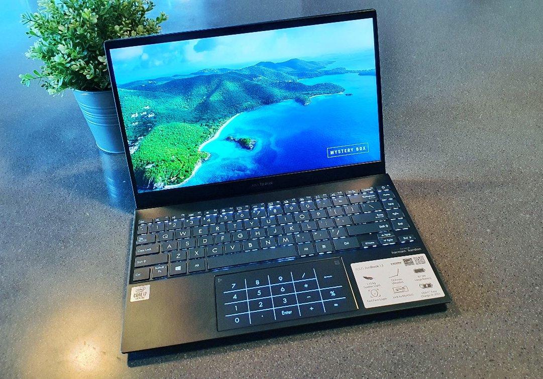 Asus ZenBook 13 ux325 top
